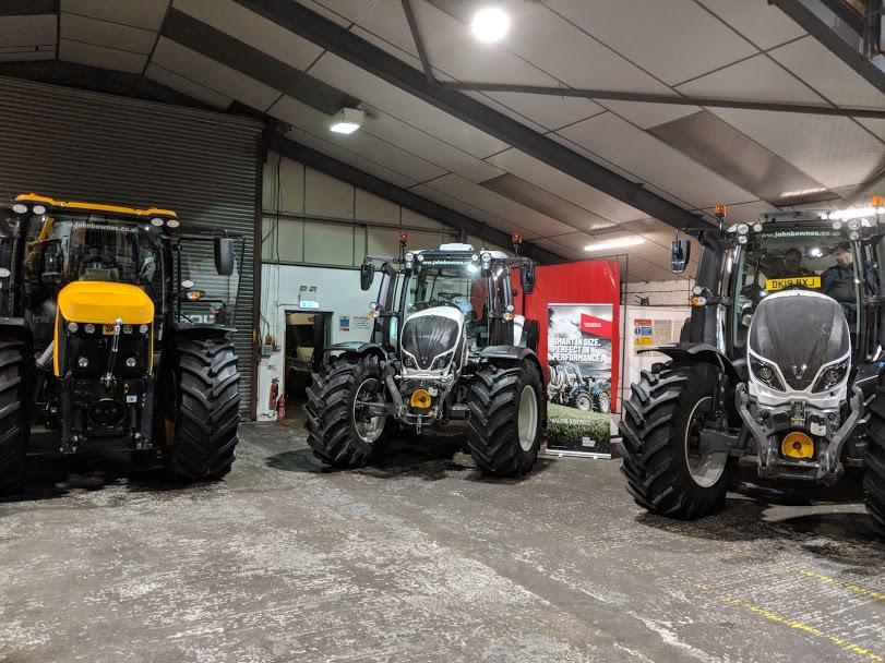 2 Valtra T-series tractors and a JCB Agri-Super digger